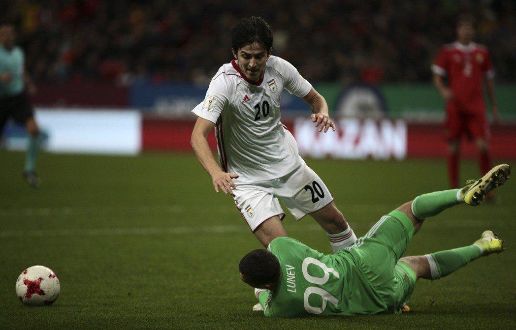 伊朗阿茲穆是球隊靈魂球員。 美聯社