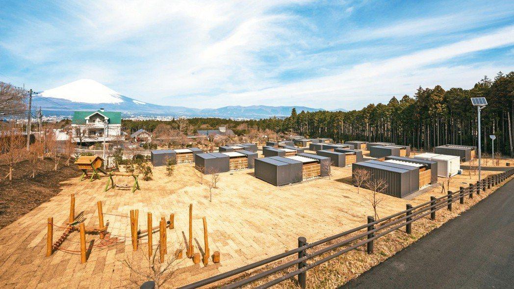 藤乃煌擁有吊床、露天按摩浴缸和營火及富士山的美景。 圖/TaiTai Live ...