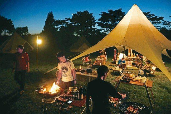 富士山兒童王國有人隨侍料理。 圖/TaiTai Live Wild、各業者提供