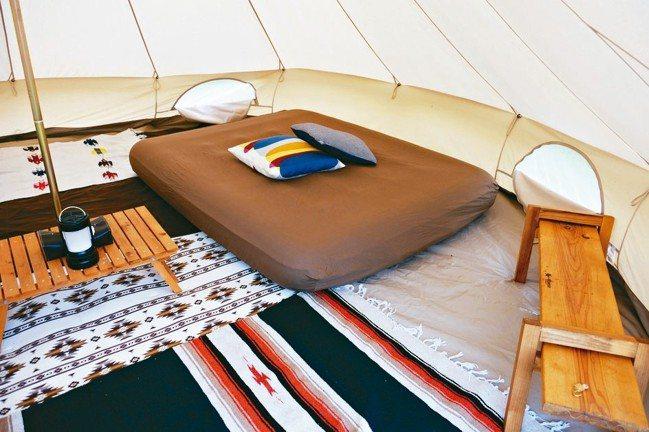 帳篷內舒適大方的擺設。 圖/TaiTai Live Wild、各業者提供