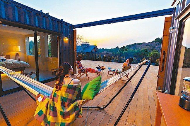藤乃煌標榜將戶外露營中與自然融為一體的感覺,帶入飯店的舒適空間。 圖/TaiTa...