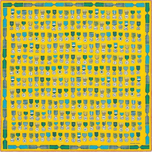 Tableau d'honneur圖紋印花絲棉混紡方巾(65公分),8,300元...