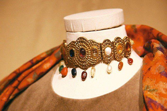印度珠寶與織品的絢爛華麗,讓陳季敏深深著迷。