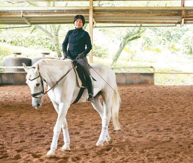 陳季敏曾因落馬而恐懼,但也因重回馬背找到勇氣。