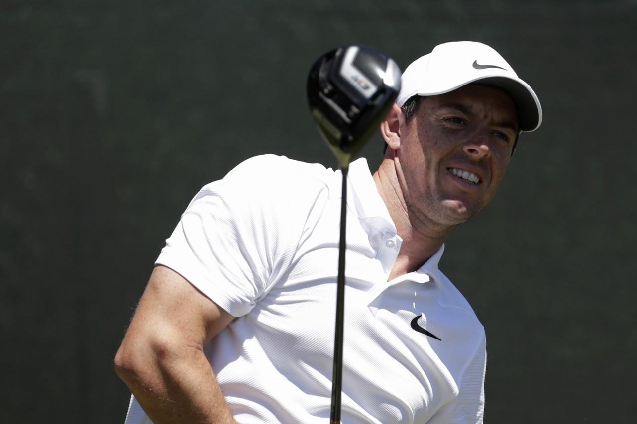 美國高球公開賽首輪只有四名球員打出低於標準桿成績,包含爆桿打出80桿的前球王麥克...