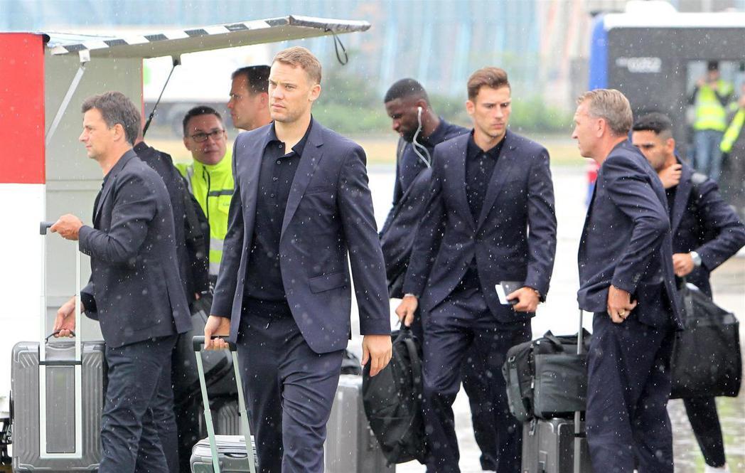 德國隊於世足開幕前一天抵達俄羅斯。圖/法新社