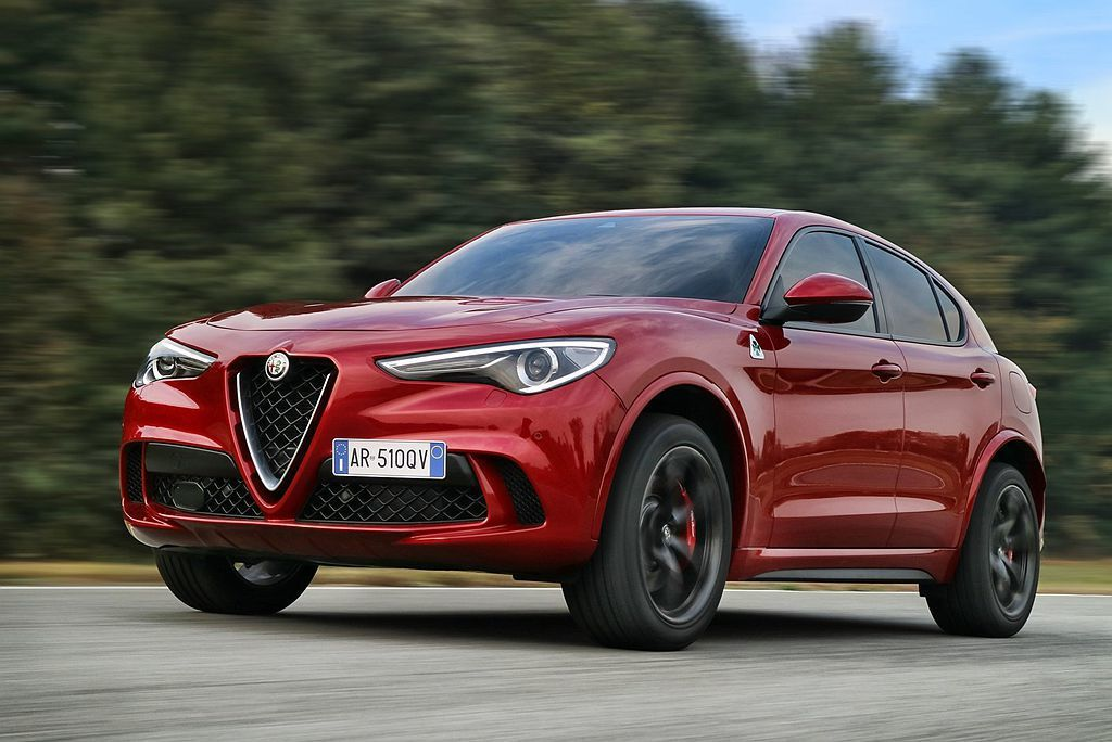 除跑車、性能車等,Alfa Romeo也以Stelvio Quadrifogli...