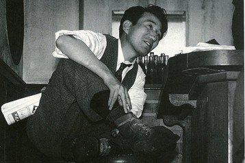 「生而為人,我很抱歉」——日本無賴作家太宰治的厭世人生