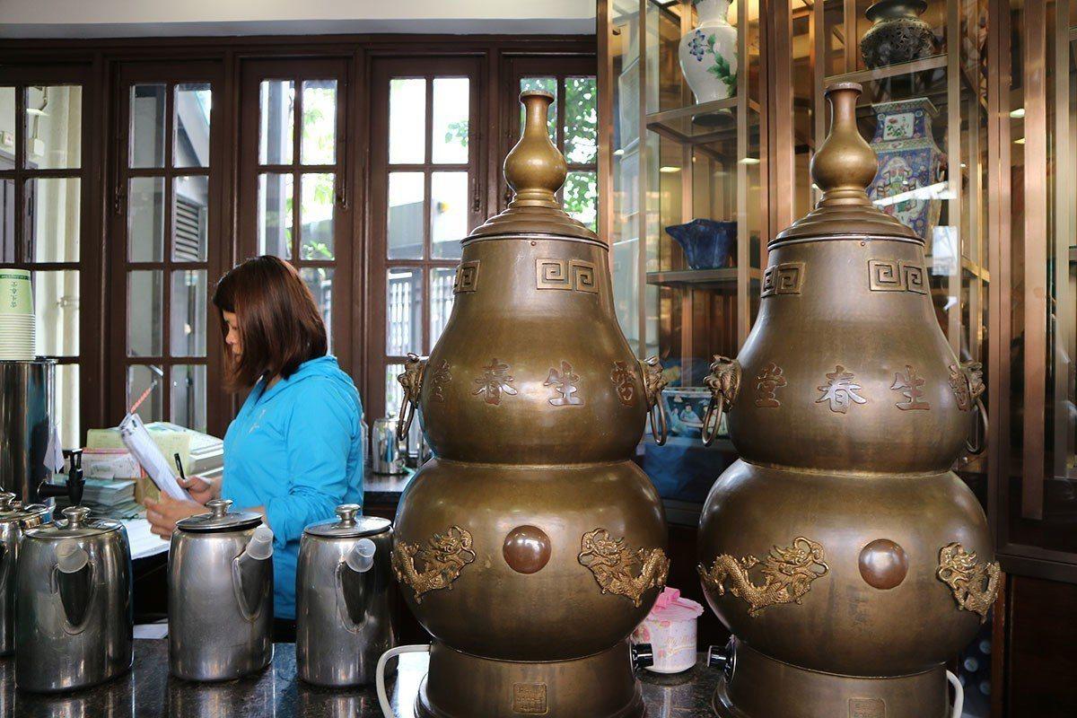 雷春生1樓販售涼茶
