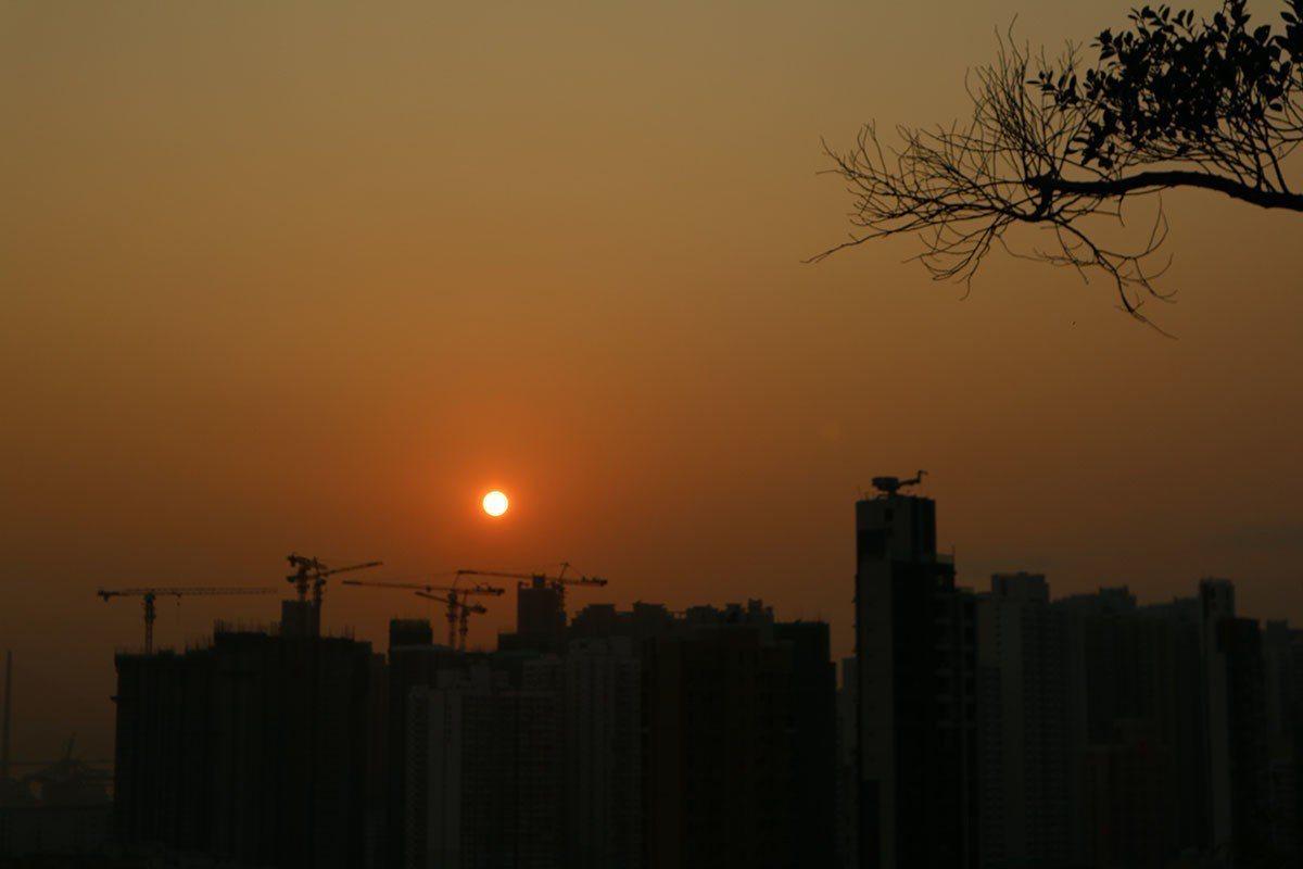 嘉頓山夕陽西照感動一瞬