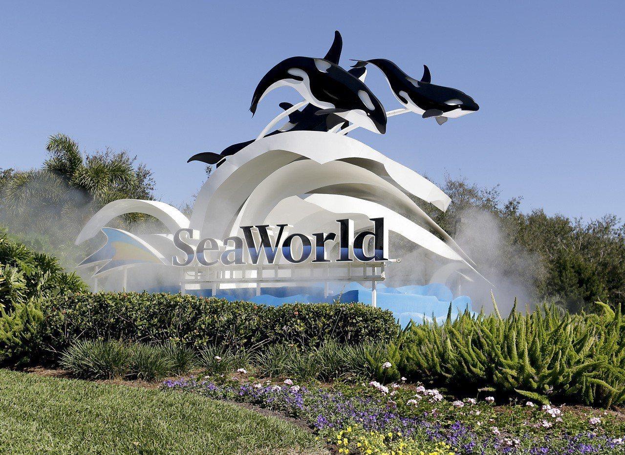 美國海洋世界公園和娛樂公司宣布,旗下全美12處主題公園將不再使用一次性的塑膠吸管...