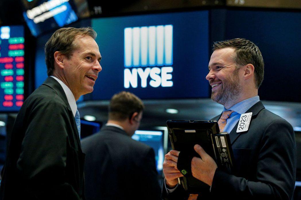 美股周四上漲反映的是經濟走強而非貨幣政策趨緊的影響。路透