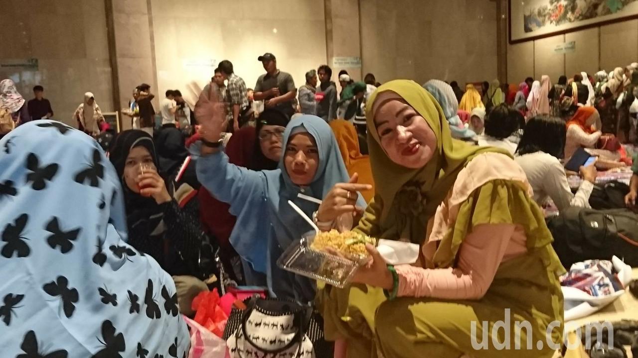 基隆市政府與市內印尼小吃店合作、準備美食讓穆斯林享用。記者賴郁薇/攝影