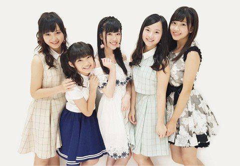 日本AKB48台灣姐妹團TPE48今年大動作在2月選出40名合格者,準備5月正式出道。但現在表定時間已過,卻遲遲沒有出道消息,今天更傳出爆料,指台灣經營團隊「熙曜娛樂」未如期支付員工薪水,拖欠款項總...