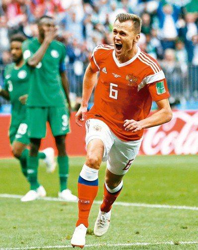 替補上場的俄羅斯切里謝夫進球後,興奮地狂吼。 美聯社