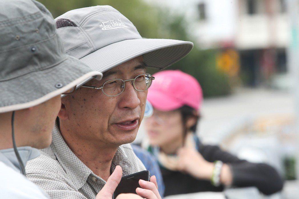 台東野溪調查小組成員楊坤城,全台踏勘搶救垂死水路。 記者黃仲裕/攝影