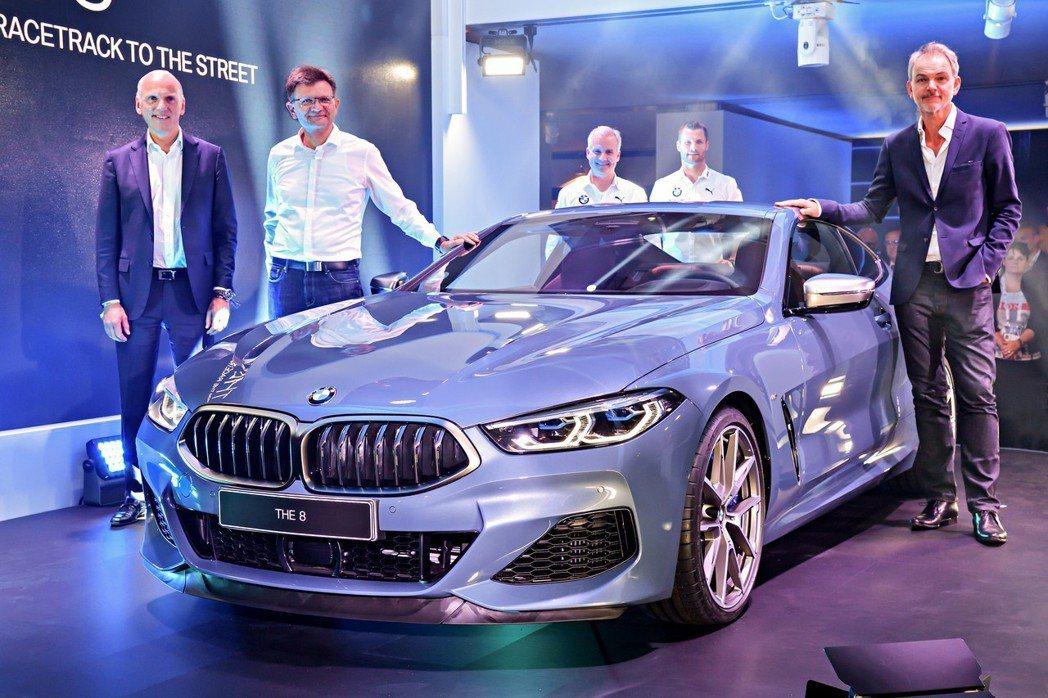 全新BMW 8 Series Coupe(G15)在利曼耐力賽展開前正式發表。 ...