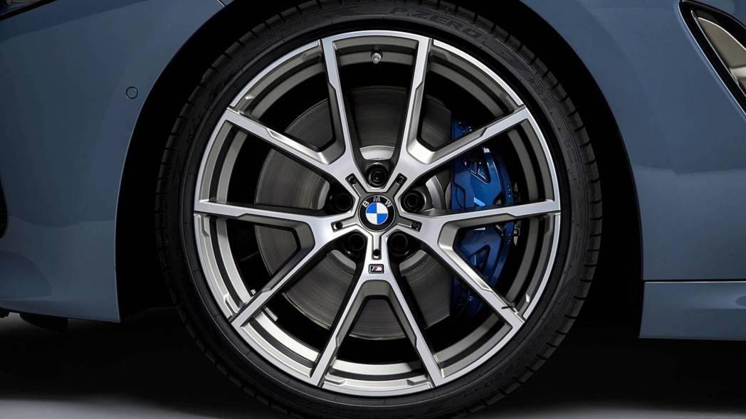 鋁圈可從18吋選配置20吋。 摘自BMW