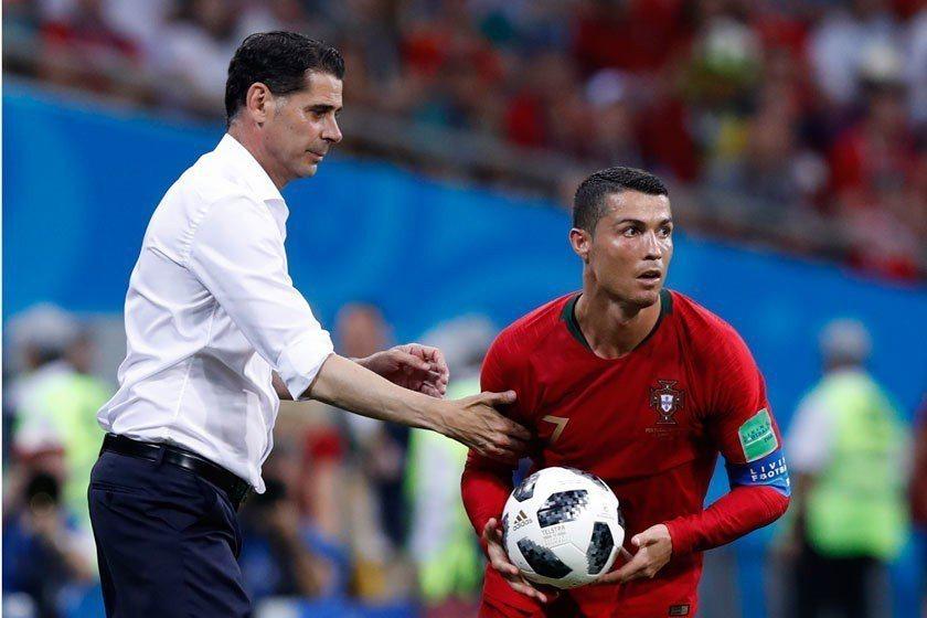 西班牙新任教頭耶羅(左)的國家隊首戰原本能有個贏球的好采頭,但C羅(右)的帽子戲...