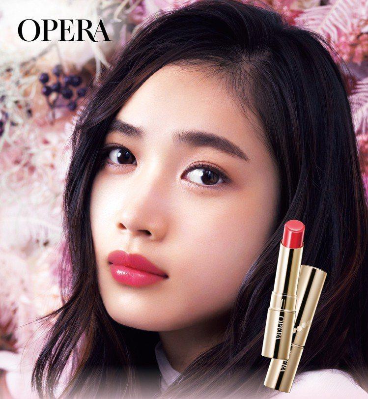 OPERA Lip Tint渲漾水色唇膏正式登台,有花嫁唇膏之稱的「#05珊瑚」...