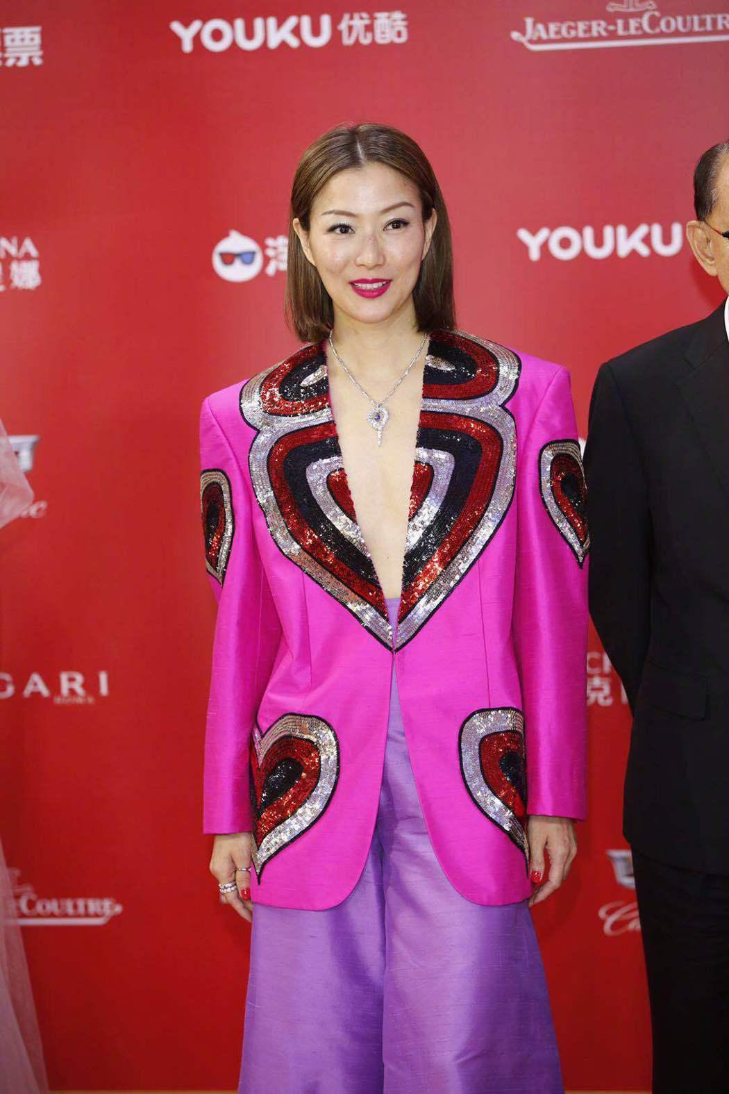 鄭秀文也出席了上海電影節開幕。圖/摘自看電影微博