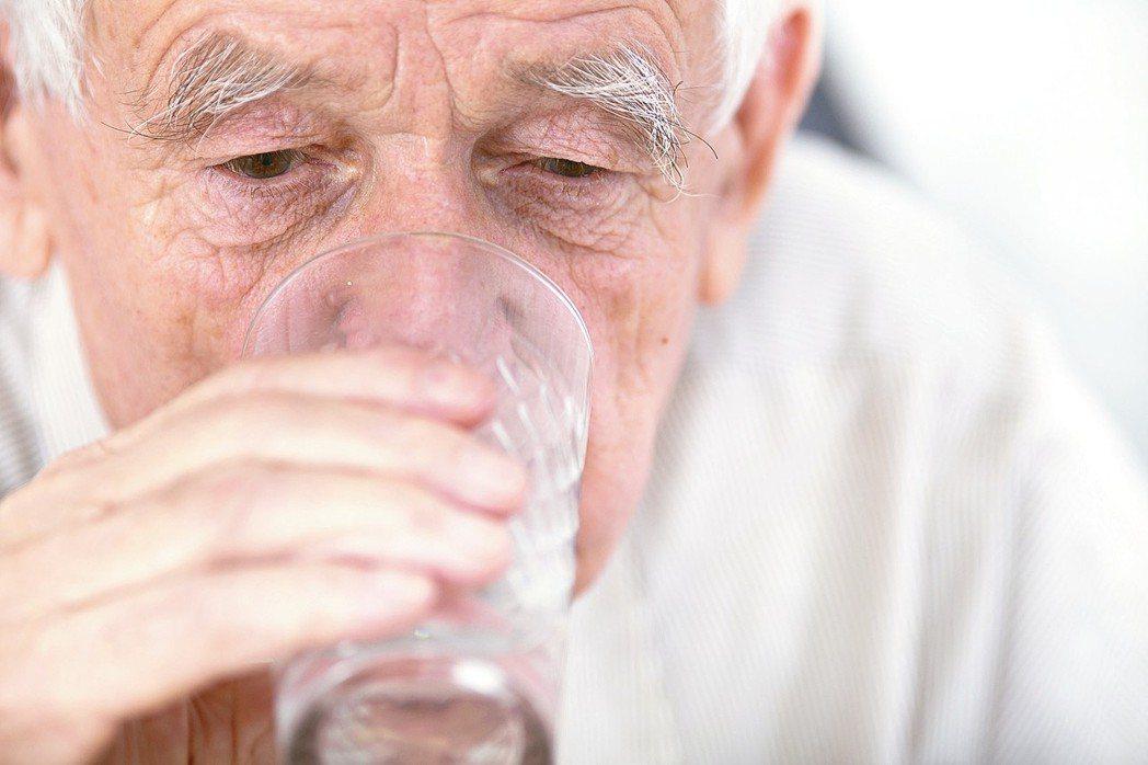 你知道,人真的是水做的嗎?林口長庚醫院腎臟科系主治醫師顏宗海指出,人體內肌肉組織...