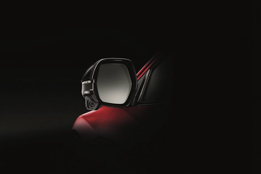 泰規HR-V的Honda LaneWatch車側盲點偵測系統,採用舊式後視鏡攝影機的影像偵測設計。 圖/Honda提供