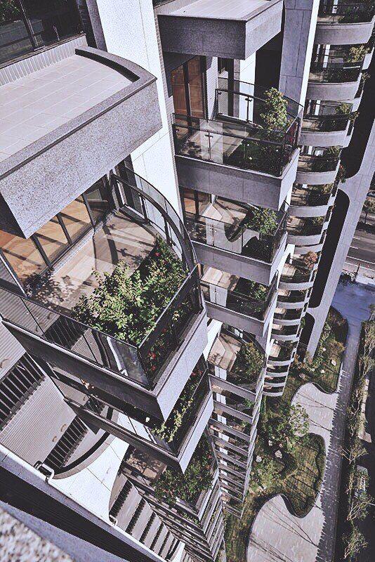 「吉隆天森」外觀獨特,景觀陽台採圓弧曲線。 圖片提供/吉隆建設