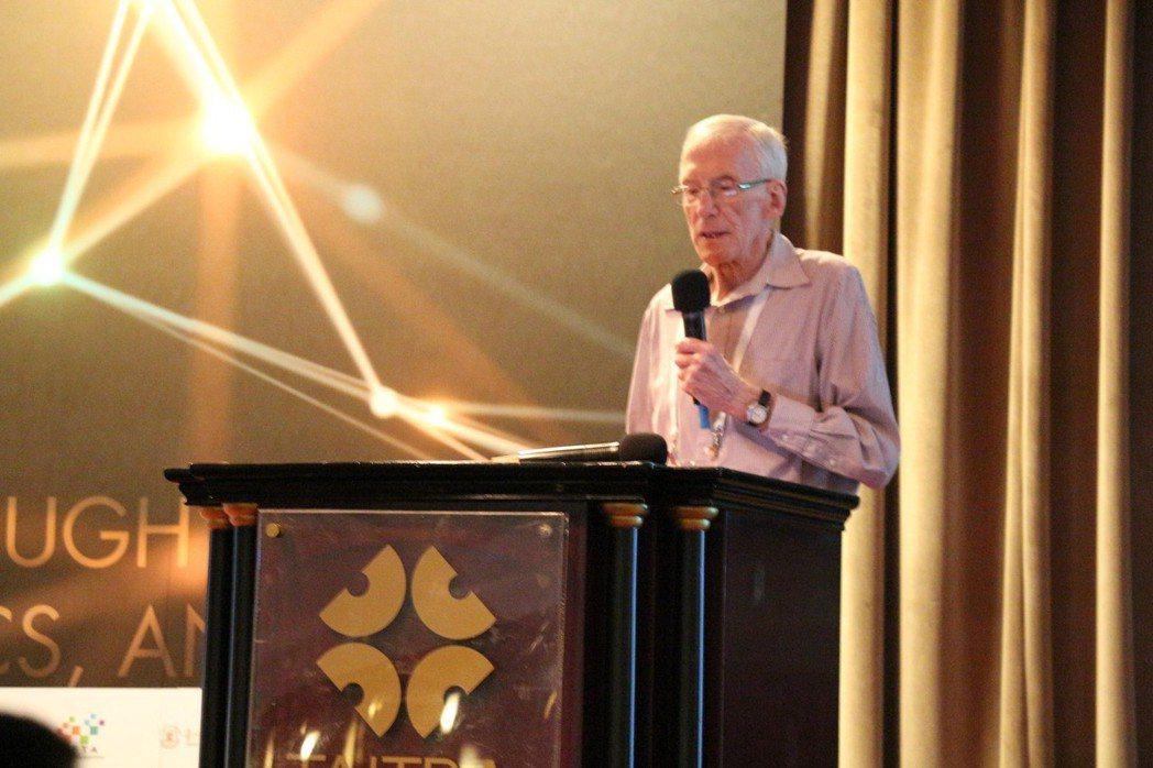 「智慧製造之父」約克大學名譽教授John A. Buzacott。 蔡尚勳/攝影
