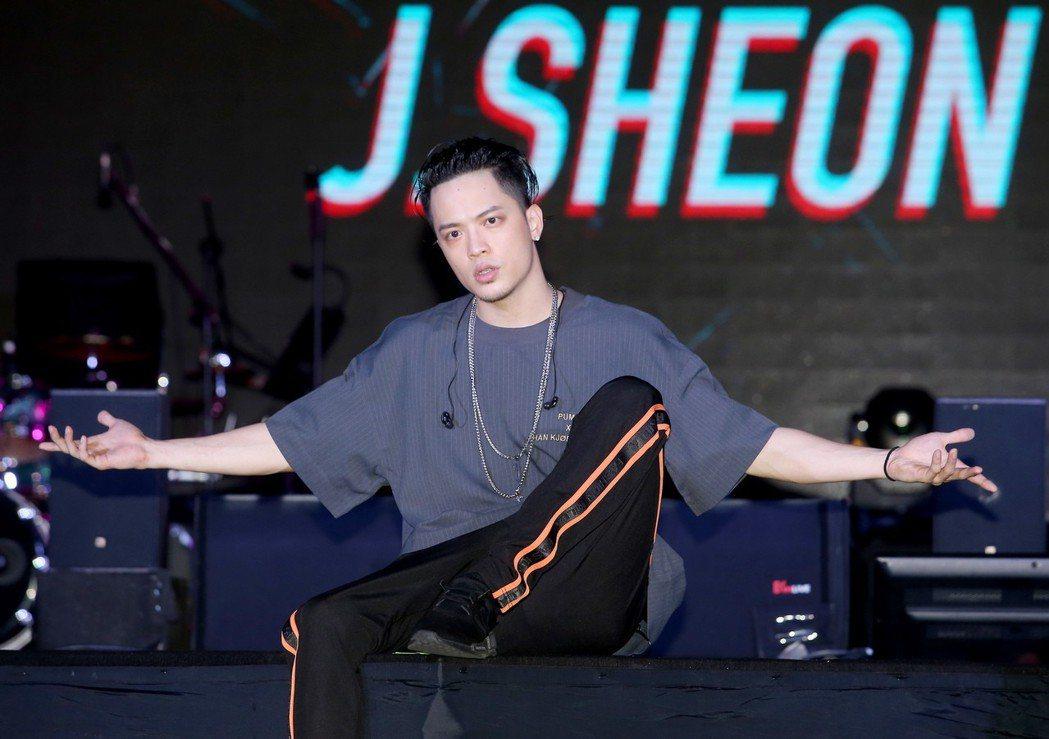 J.Sheon出席Showcase金曲售票演唱會彩排。記者余承翰/攝影