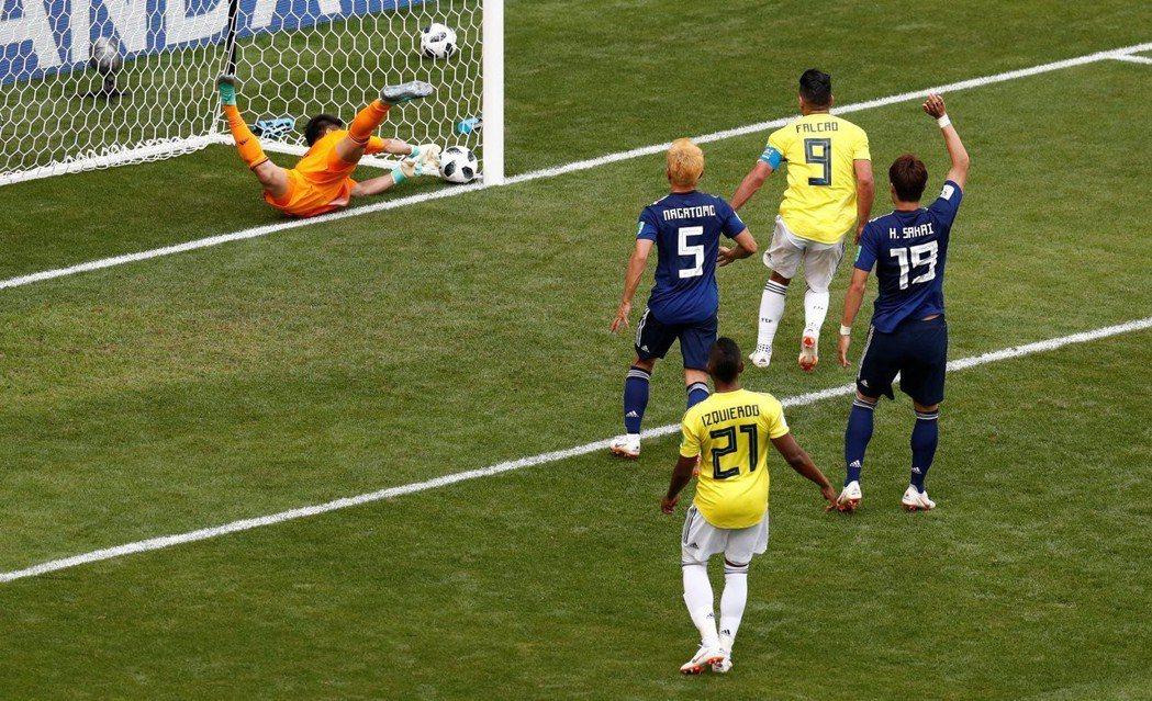 哥倫比亞昆特羅射進一球。 路透