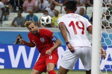世足精采進球圖 英格蘭凱恩頂上功夫了得