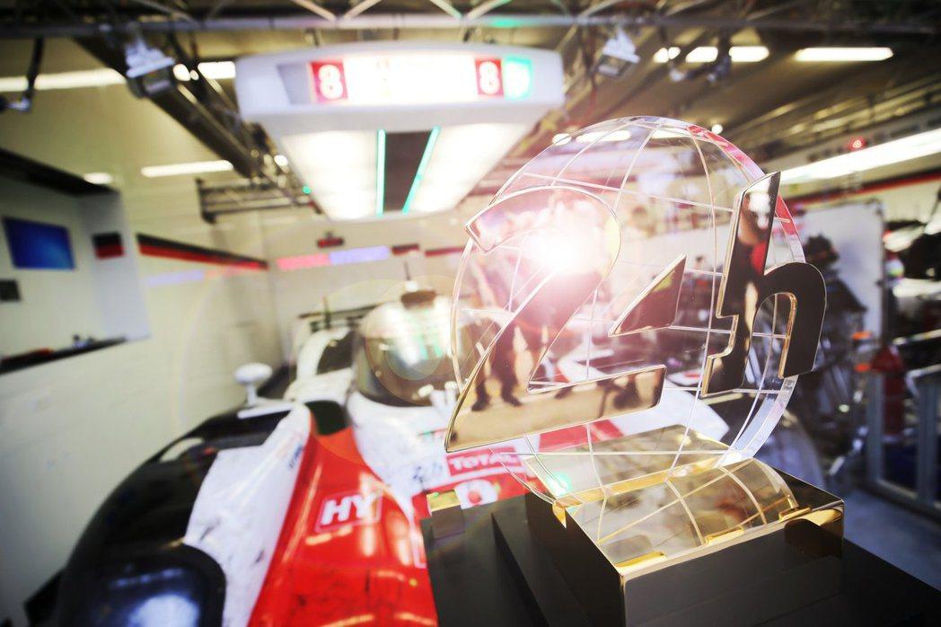 Toyota汽車終於在第86屆利曼24小時耐久賽獲得冠、亞軍殊榮。 圖/Toyo...