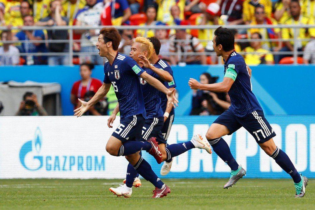 大迫勇也(左)下半場關鍵進球。 路透