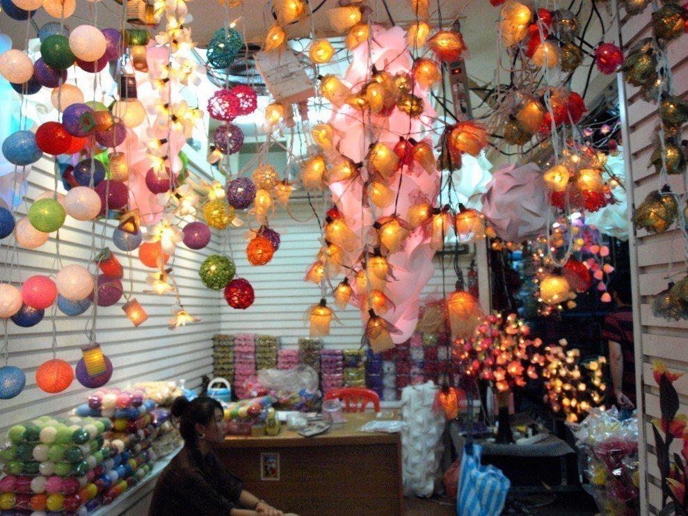 ▲泰國洽圖洽燈飾。(圖/攝影者:Wendy Harman, Flickr CC ...
