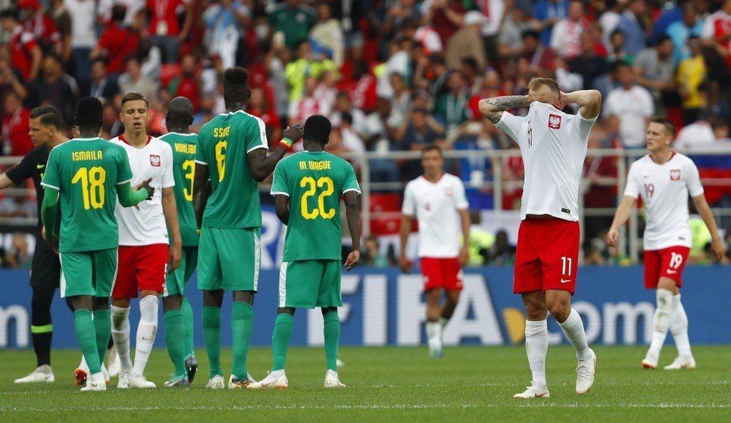 波蘭首戰表現荒腔走版,輸球一點都不意外。 美聯社