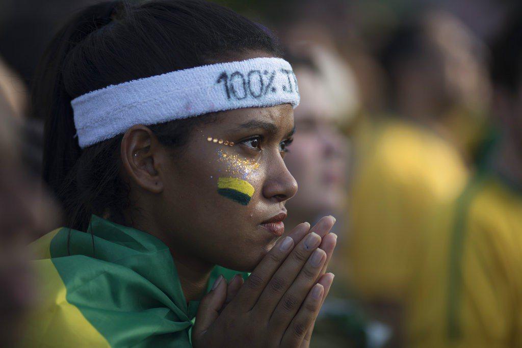 巴西首戰遭瑞士爆冷踢平,接下來賽事可得繃緊神經,別再讓球迷失望了。 美聯社