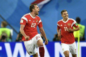 西班牙2010年8球封王 俄羅斯兩戰就追平