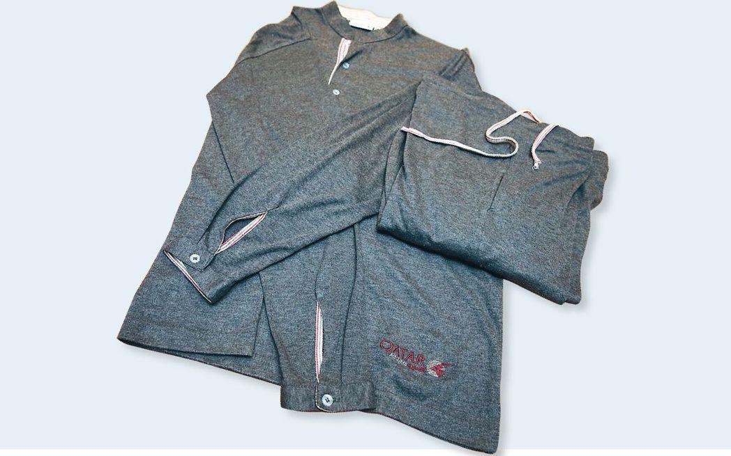 卡達航空商務艙提供印有羚羊圖樣的睡衣。