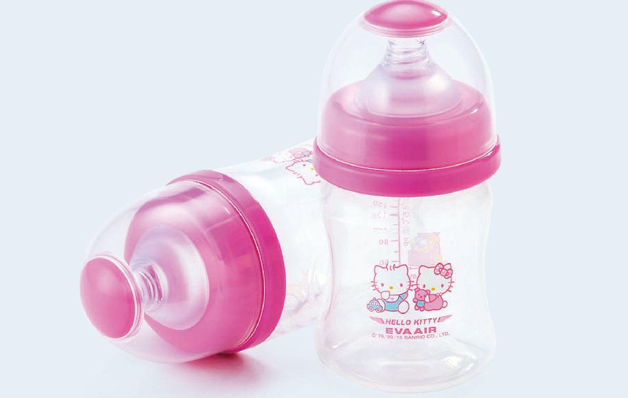 有小朋友同行的長榮旅客,可向空服員免費索取超萌奶瓶。