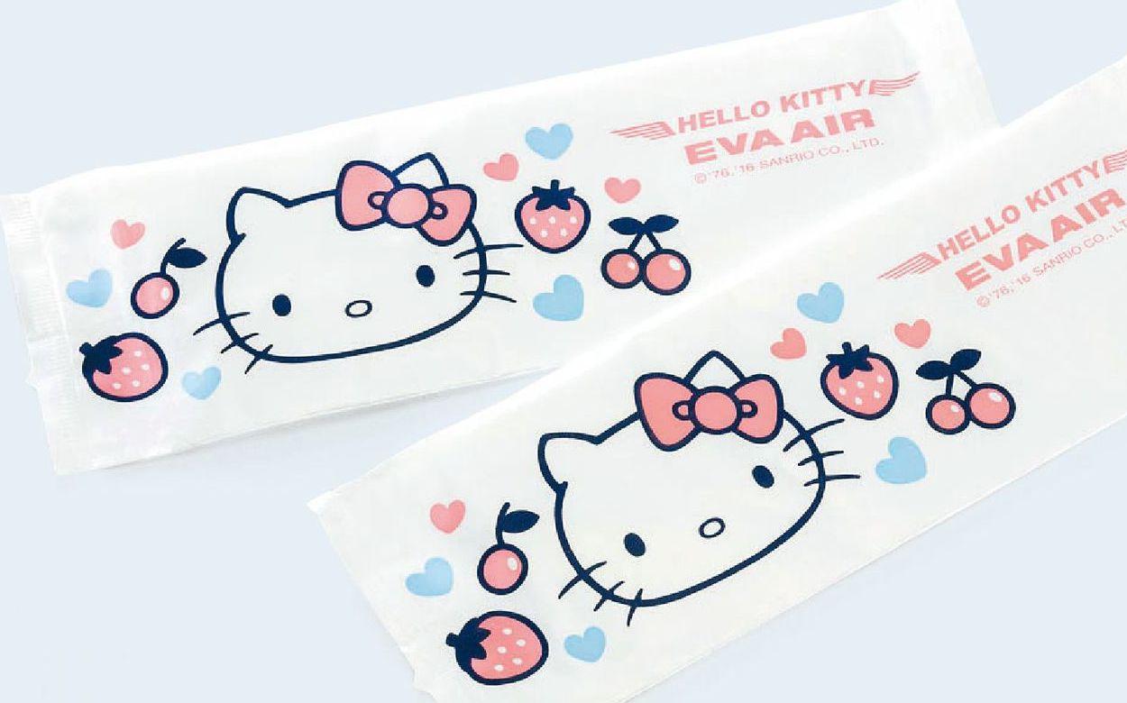 長榮2017年的Hello Kitty濕紙巾。