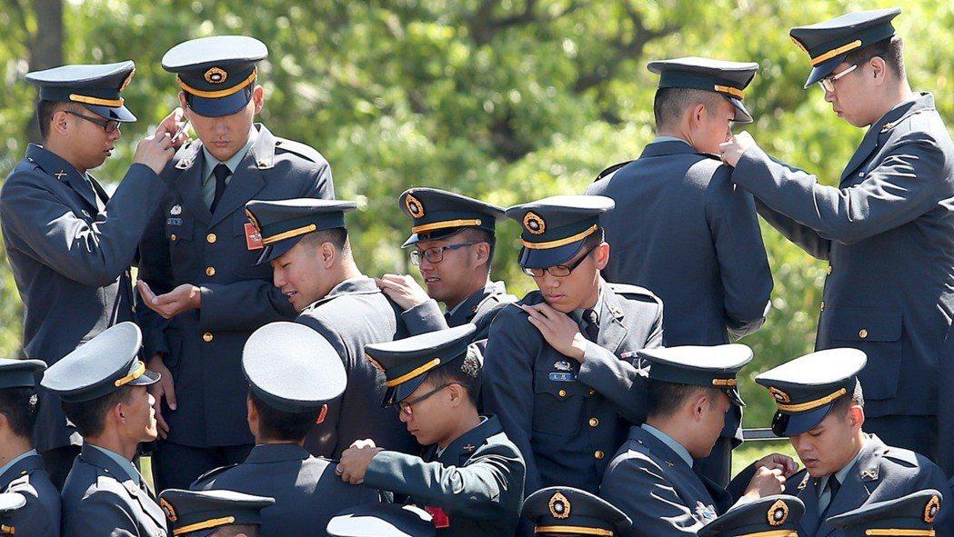 軍人年改將連同公教人員年改,於7月1日上路。 本報資料照片/記者余承翰攝影