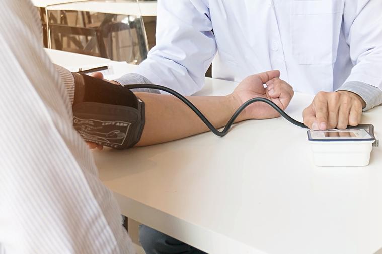 為什麼年紀大了就會高血壓?是不是人老了血壓一定會高? 圖/ingimage