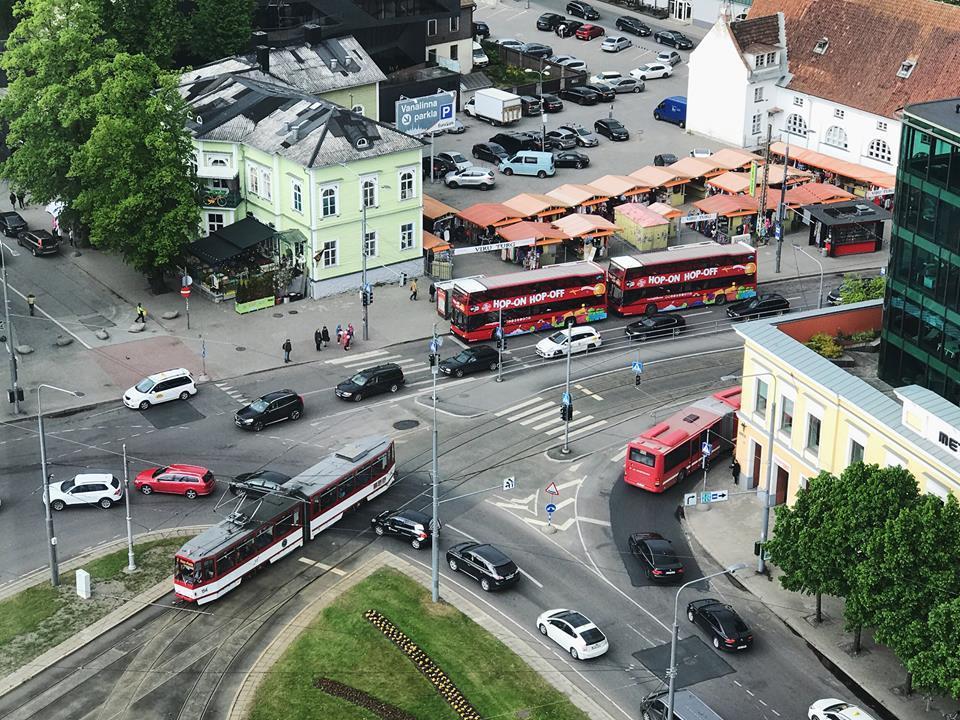 塔林剛推出免費大眾交通運輸服務時被罵得狗血淋頭,結果後來政策成效出乎意料,市民滿...