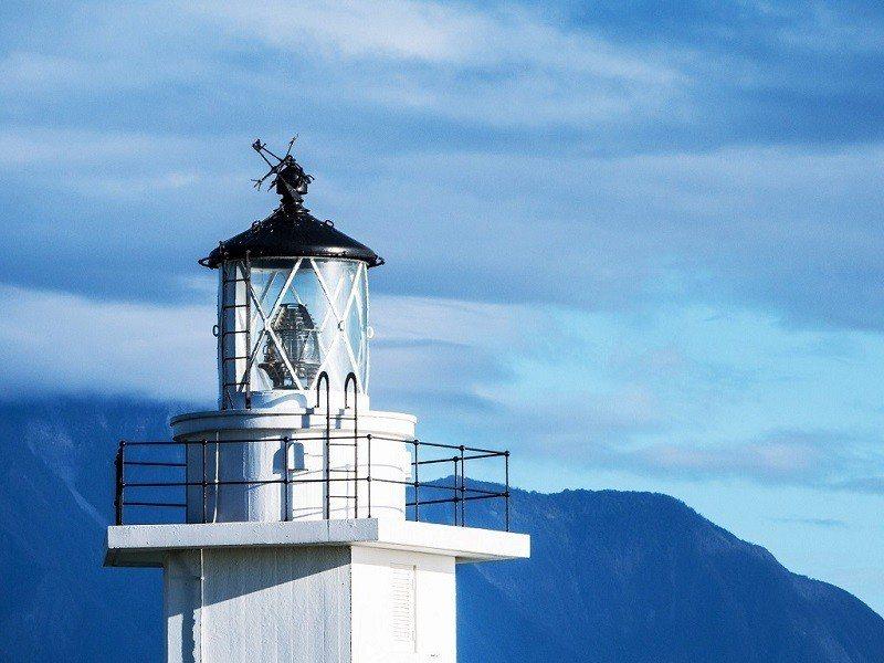 (圖/flickr@billy1125提供) ▲純白的奇萊鼻燈塔