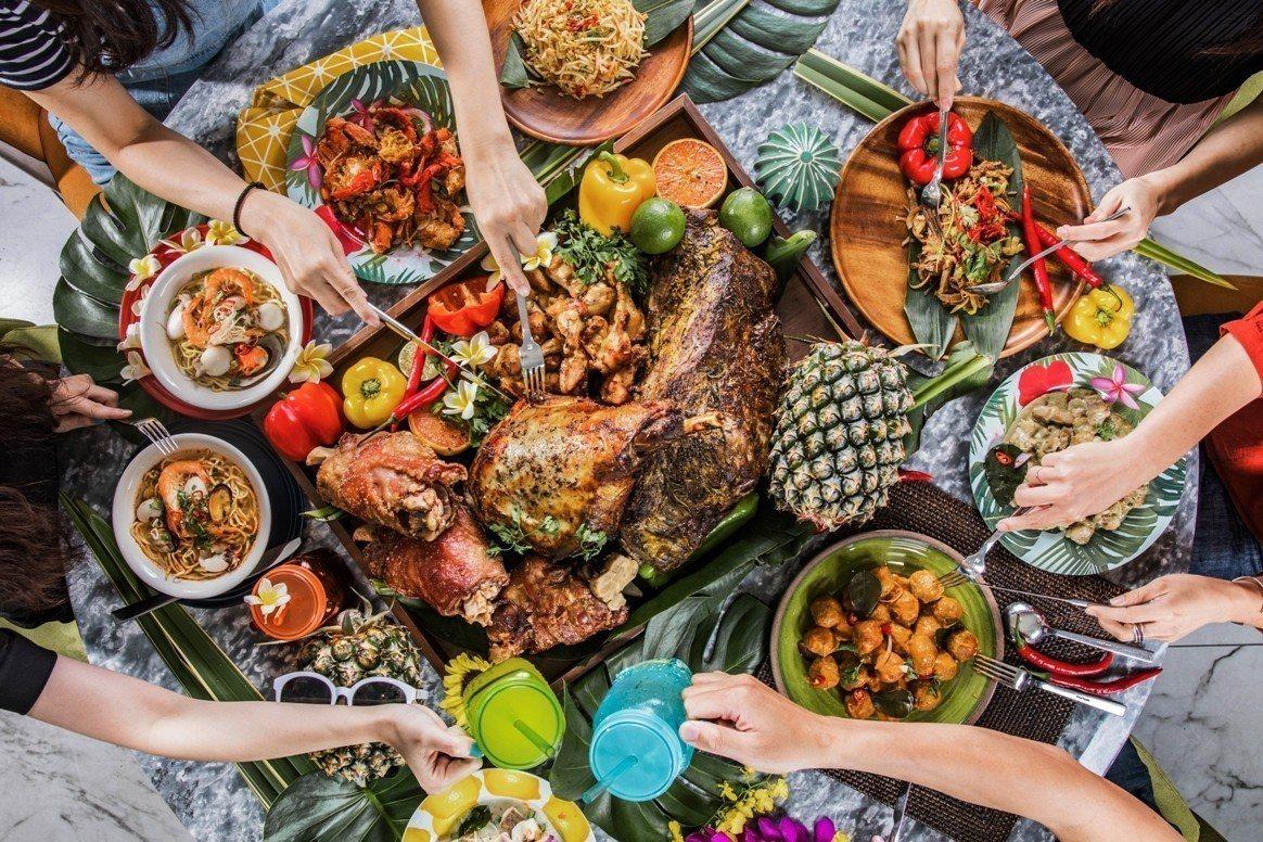 板橋凱撒大飯店推出熱帶共和國活動,80多道東南亞料理提供饕客選擇。圖/板橋凱撒大...