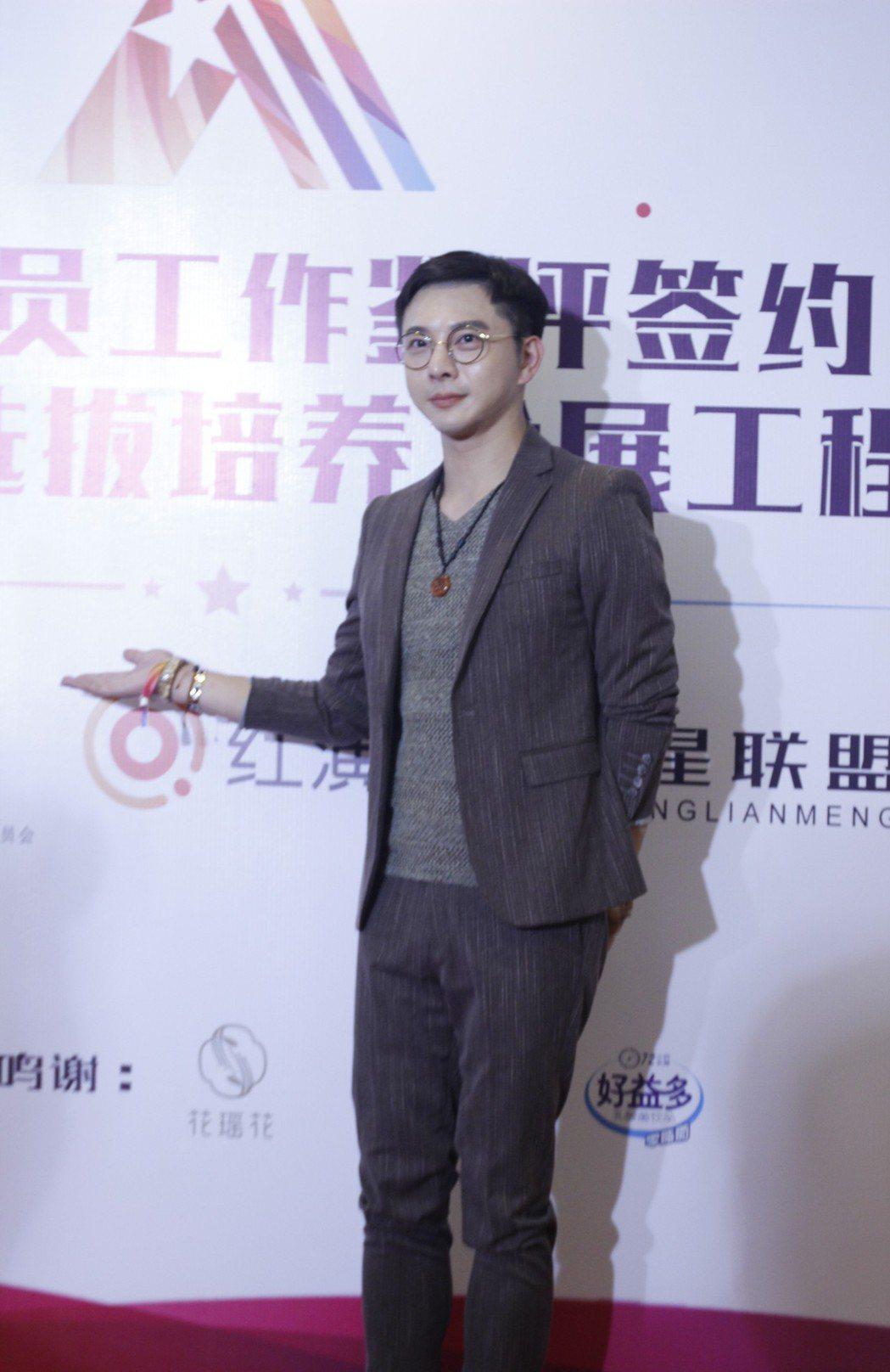 經紀人陳孝志在北京被追問如何挖掘阮經天。圖/陳孝志提供