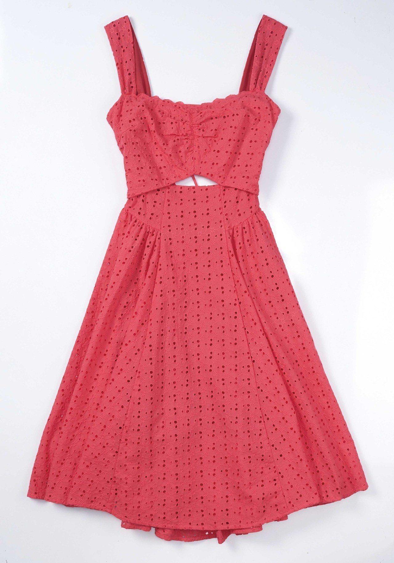 SOGO忠孝館snidel蕾絲透膚洋裝原價8,080元,特價3,380元。圖/S...