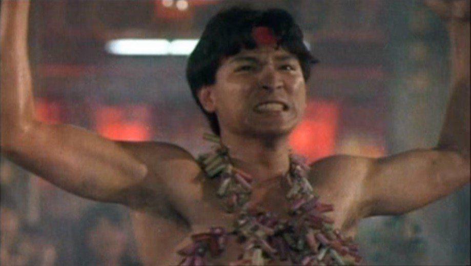 劉德華30年前來台演出的「飆城」中,也有肉身被鞭炮炸的畫面,但沒有比照寒單爺的造...