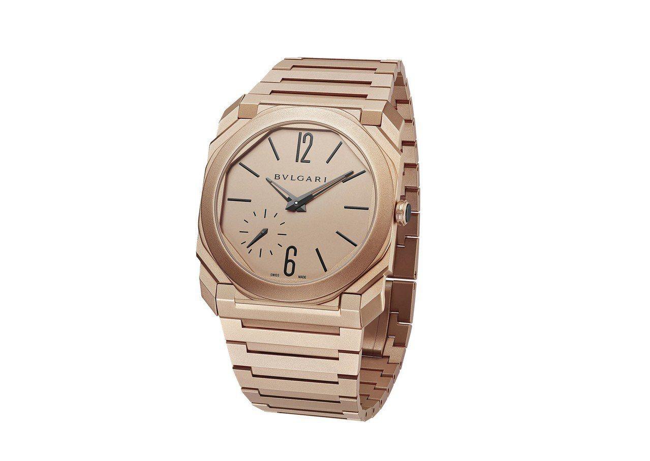 BVLGARI OCTO FINISSIMO 超薄自動上鍊噴砂系列玫瑰金腕錶,售...